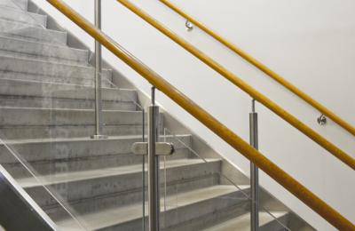 Endorfin – Räcke och betongtrappa